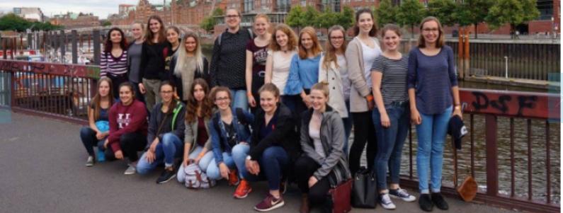 Mädchen machen MINT: Bundes-Forschungscamp zum Thema Medizintechnik in Hamburg