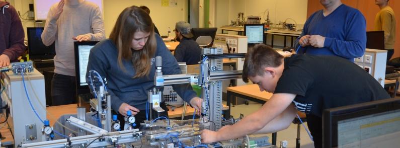 """Leistungskursfach """"Ingenieurwissenschaften"""" – Erfahrungsaustausch Technischer Gymnasien"""